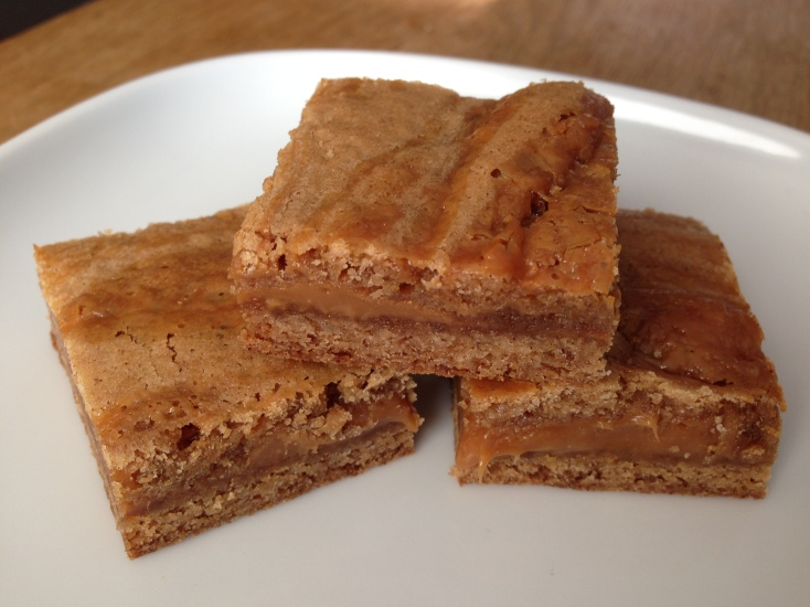 Cinnamon Caramel Swirl Blondies- McCormick 4